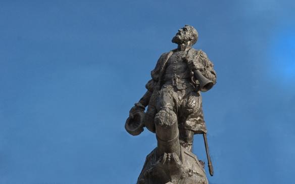 Punta Arenas Colon statue up close