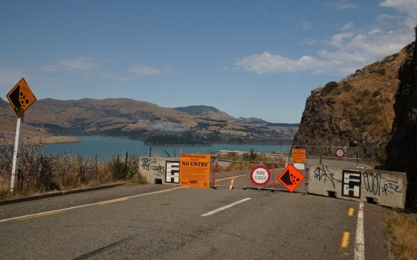 Feb 2013 - a closer look - section of Summit Road closed