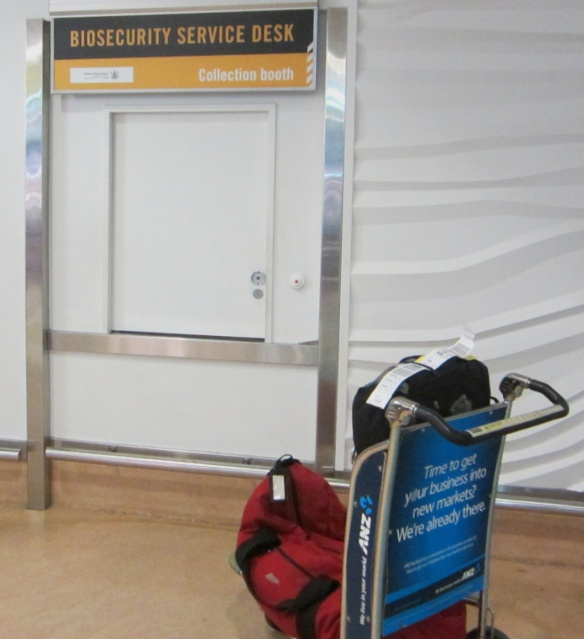 the delivery door where the inspected goods are returned