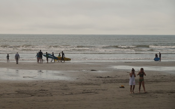 more surfers and strollers on Sumner Beach!