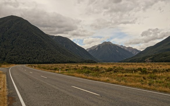 SH73 view about 15 km east of Arthur's Pass Village