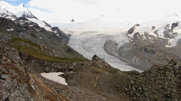 glacier and moraine above Blauherd