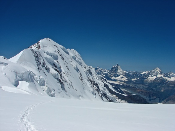 north face of Lyskamm and west to the Klein Matterhorn, the Matterhorn, and Ober Gabelhorn peaks