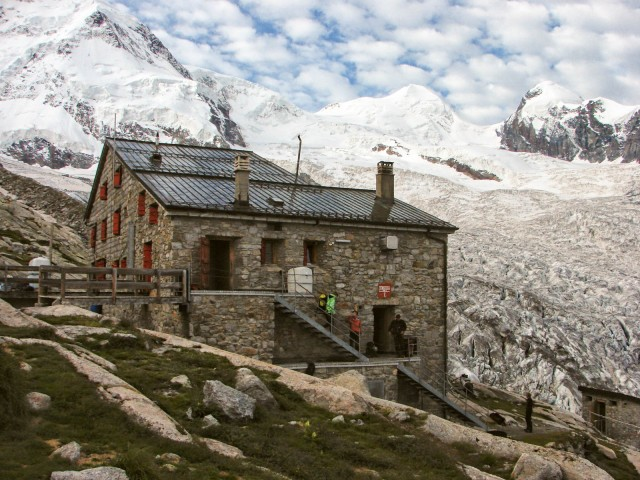 the-old-monte-rosa-hut-2
