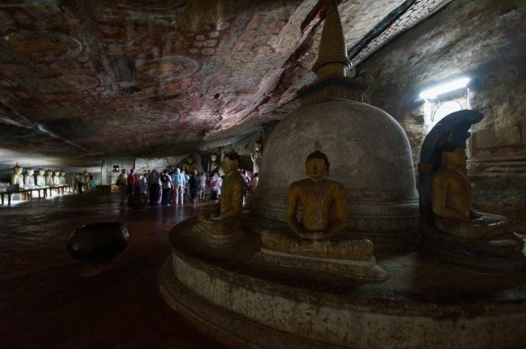 Dambulla Cave 2 dagoba and buddhas