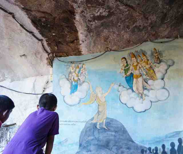 Mahinda greeted by Devanampiya Tissa - mural below the Maha Stupa