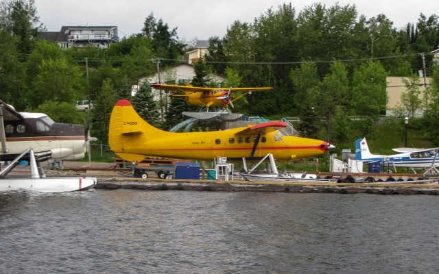 bush plane central - the harbour at Red Lake