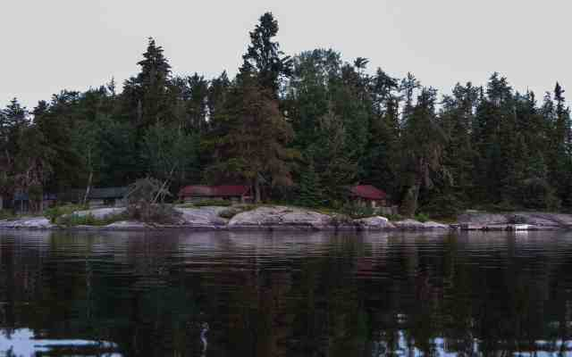 cabin complex on point at west end of Larus
