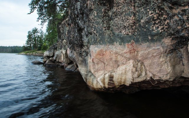approaching the Murdock Lake pictograph site