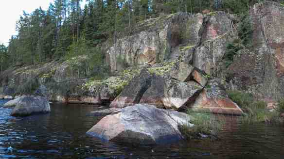 Artery Lake North Arm rock face sans pictographs