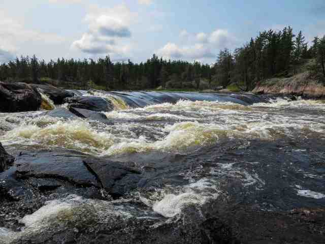 the Bloodvein Rapids (W70) just above Manitou Rapids