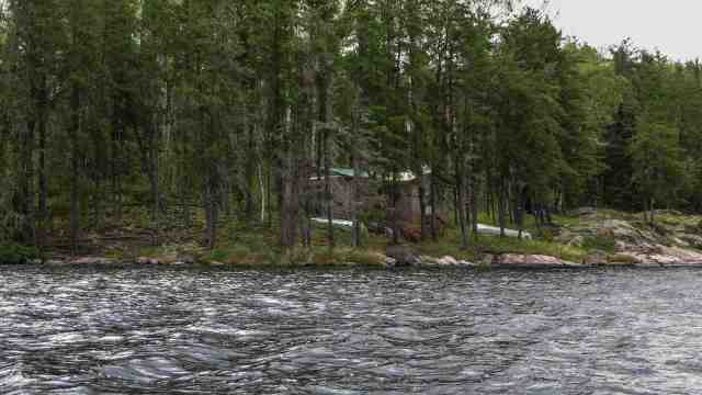cabin on north arm of Artery Lake