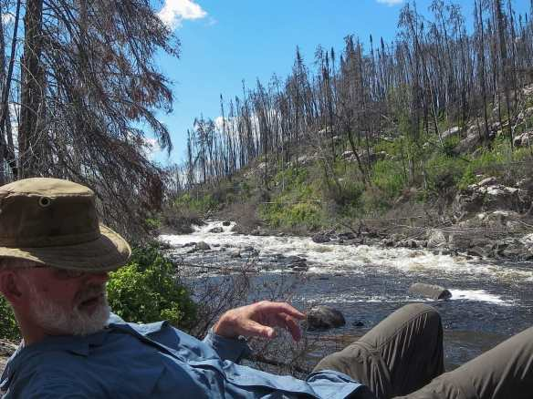W07 - lunch at the end of the portage - notice the burn