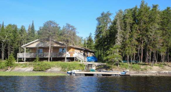 Bloodvein River Lodge on Kitchi Island