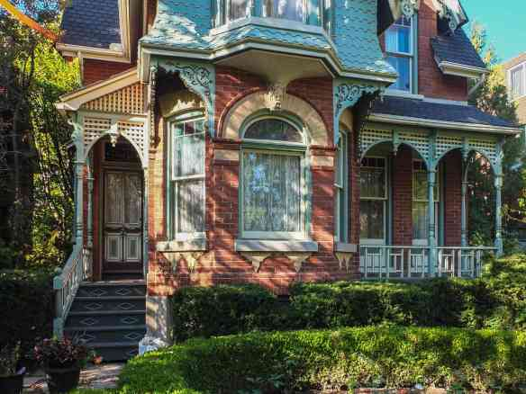classic Cabbagetown - right down to the lace curtains!