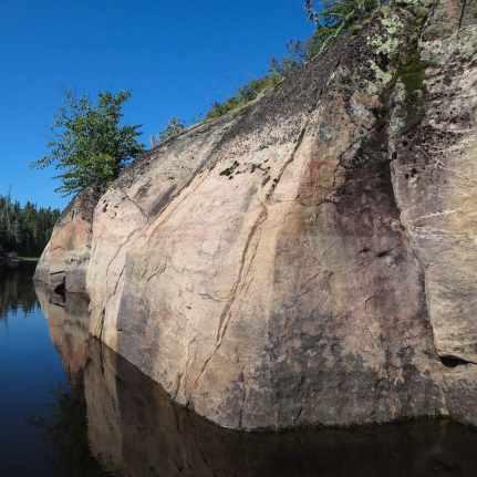 Rock face below Meekisiwi Rapids on the Bloodvein