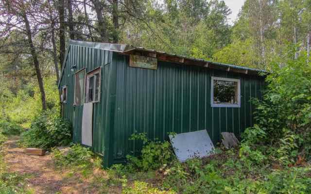 Stagger Inn - the Trapper's Cabin