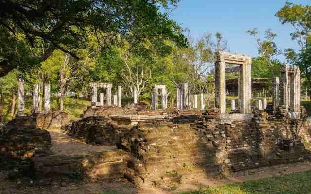 Abhayagiri ruins - lintels and doorposts