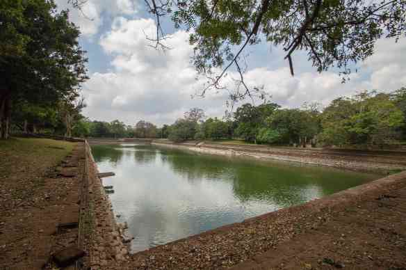 Abhayagiri's Et Pokuna (Elephant Pool)