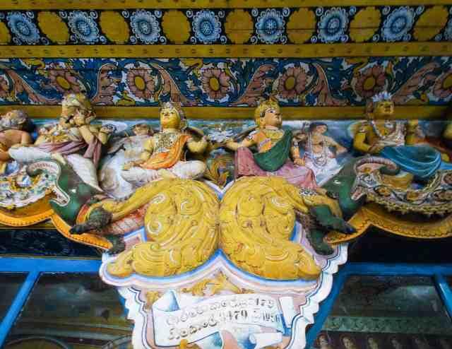 elaborate figures on the outside of Jetavana's side temple
