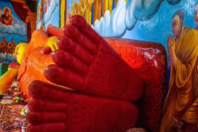 the paranirvana Buddha's feet