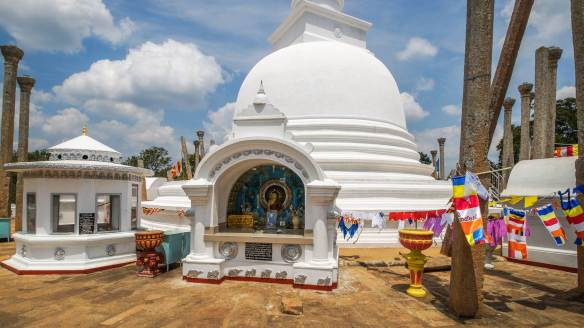 Anuradhapura's Thuparama - up close