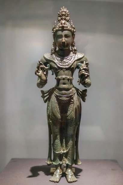 Bronze solid cast Vajrapani Bodhisatva figure from Kurunegala - 800's C.E.