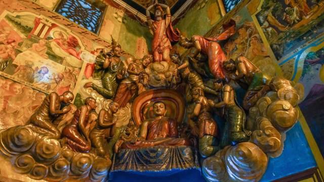 Gangaramaya ceiling sculpture