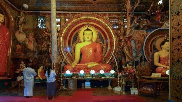 the main shrine of Gangaramaya's Temple