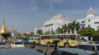 4. Yangon Town Hall and traffic
