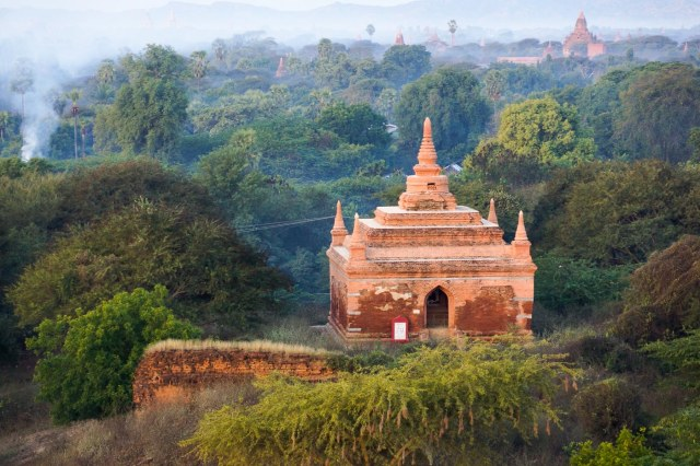 one of 3000 minor temples on the plains of Bagan