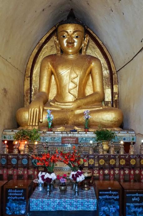 Mahabodhi Temple's main Buddha image