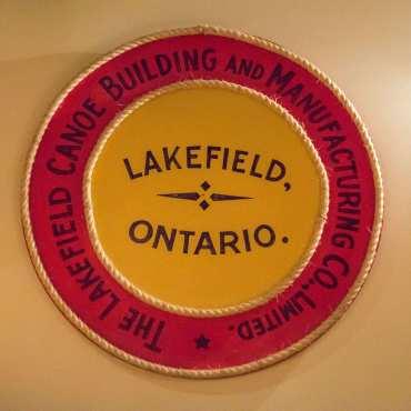 Lakefield Circle logo
