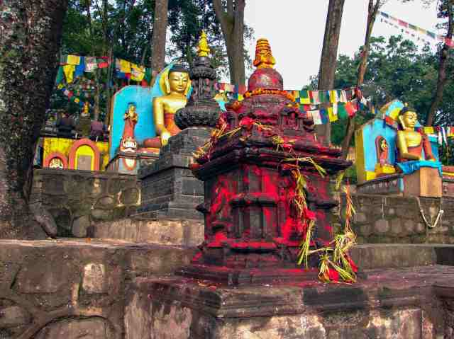 Swayambhunath - bottom of the steps shrines