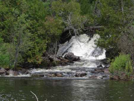the waterfalls at the end of SP05 - the start of the Steel River