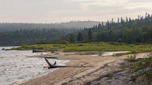 start of Santoy Lake beach on north shore