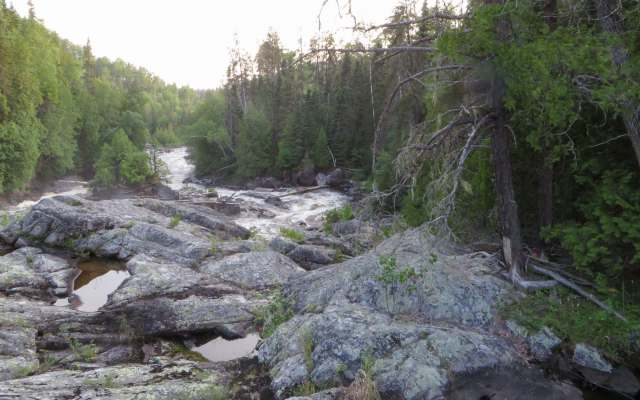 view of river right at Steel River's Rainbow Falls
