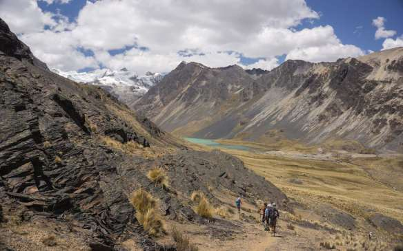 approaching Jistaña Khota and Day 4 Campsite -