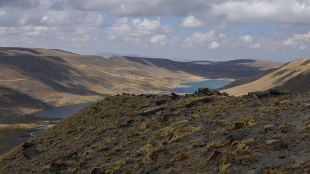 from the same spot - looking south to Sura Khota and Lago Taypi Chaka