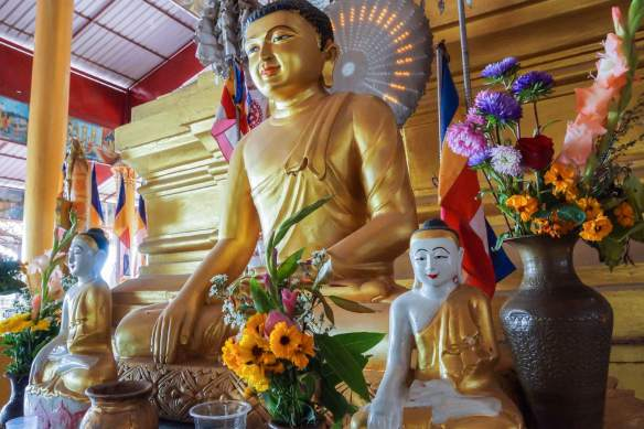 Buddha figures in usual Touching The Earth mudra at Hintha Gon Temple