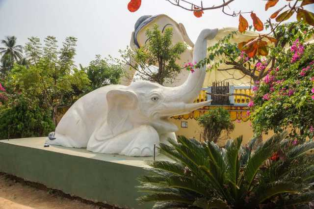 elephant statue on the edge of the Mya Tha Lyaung Reclining Buddha site