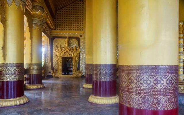 inside the Bee Throne Hall at Bayinnaung's Hanthawaddy