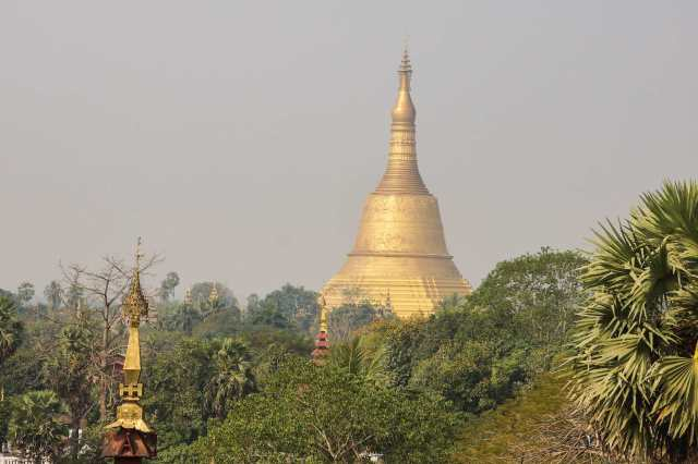 looking back at Shwemawdaw from Hintha Gon