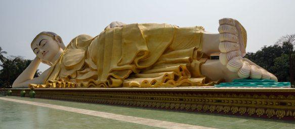 Mya Tha Lyaung Reclining Buddha - panorama view