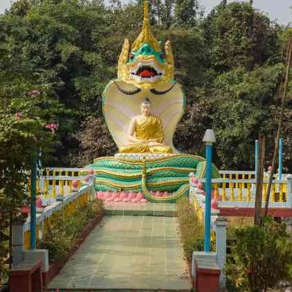 Mya Tha Lyaung Reclining Buddha - statue on the side