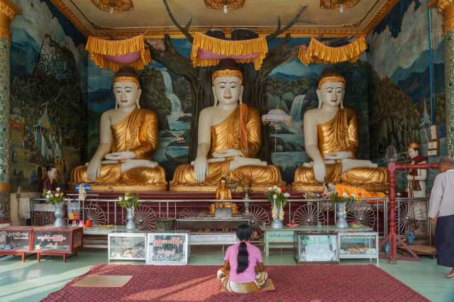 shrine area - Buddhas under the Bodhi Tree