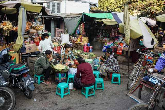 sit-down street-side restaurant in Mandalay's Zay Cho Market area