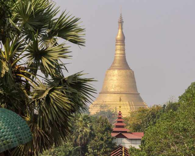 the Shwemawdaw zedi to the west from Hintha Gon