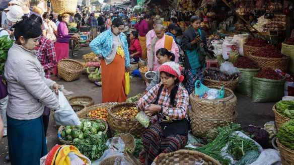 Mandalay's Zay Cho street market - somehow, order in chaos!