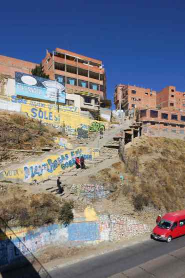 housing at the top of the hole that is La paz